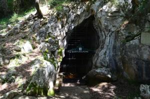 Entrada a la Cueva de Santimamiñe
