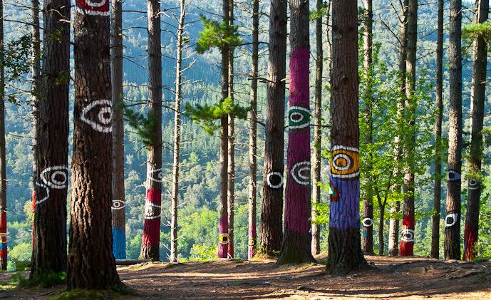 Obra de Ojos en el Bosque de Oma